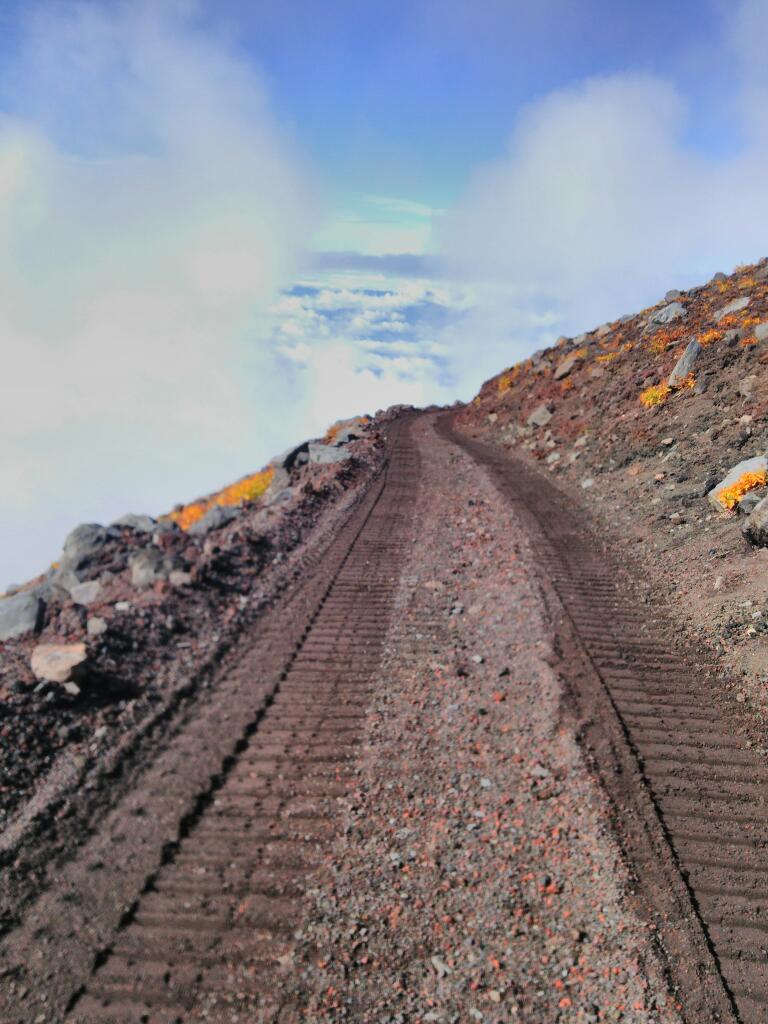 ブルドーザーで富士登山
