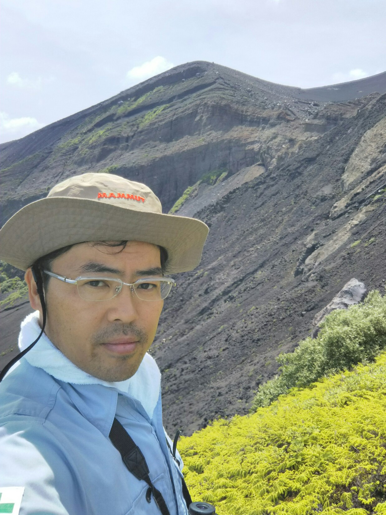 溶岩に飲み込まれた集落