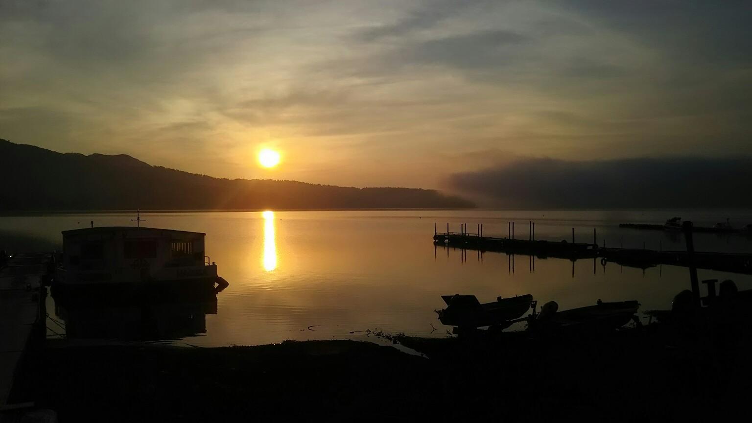 山中湖村の朝を