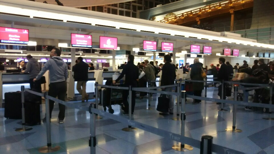 羽田空港からドバイへ行く